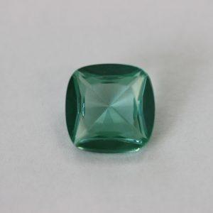 Синтетичен камък, 12 х 12 мм, цвят зелен шпинел