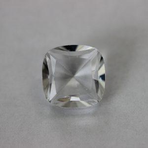 Синтетичен шпинел, 12 х 12 мм, цвят бял