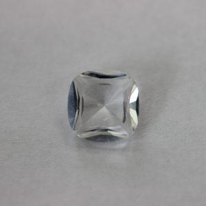 Синтетичен шпинел, 10 х 10 мм, цвят бял,прозрачен